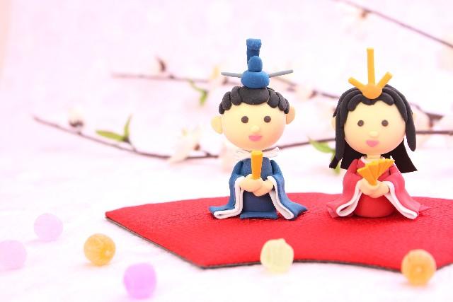 ひな祭りの由来と意味☆ひな人形に込められた願いとは?