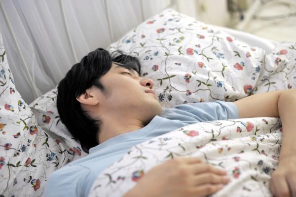 寝汗が大量、しかも臭い!それってもしかすると夏バテ臭かも!?