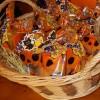 ハロウィンお菓子の配り方、人気の定番お菓子は?どれくらいあげればいい?