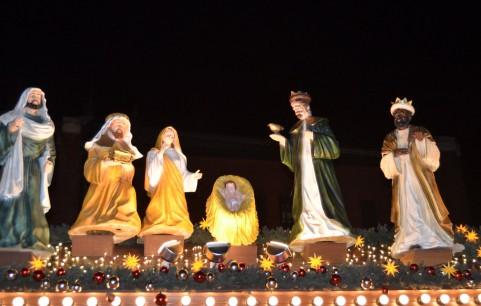 クリスマスキャロルってどんな意味?どんなあらすじの物語なの?