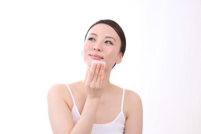 乾燥肌に効果的な美容液☆プチプラで購入することができるのは?