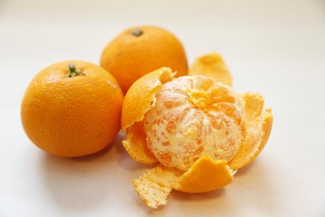 みかんは美味しいし甘い果物!でも、カロリーって高くないの?