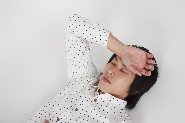 熱中症による頭痛の治し方は?頭痛薬を服用しても問題はないの?