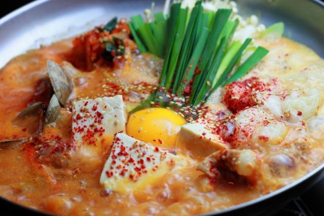 鍋レシピで冬を満喫!ランキングでも上位なのはどんな鍋料理?