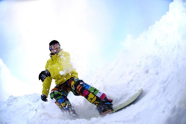 スノーボードのウェア☆メンズで人気があるのはどこのメーカー?